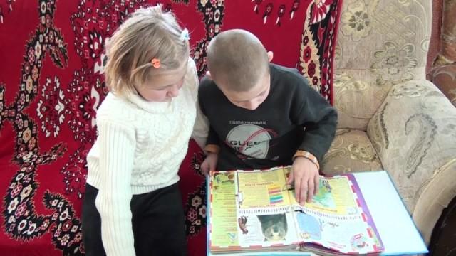 В Шымкенте мать бросила двоих детей, а бабушка не справилась с воспитанием