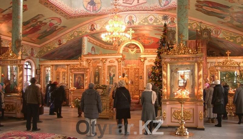 Во всех Шымкентских православных церквях проходят службы в честь Рождественского сочельника