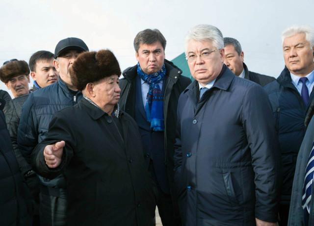 Аким ЮКО совершил объезд по населенным пунктам Абайского района Шымкента