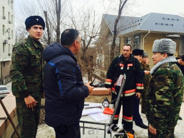 """В Шымкенте горит здание кинотеатра """"Казахстан"""""""