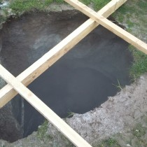 В Шымкенте возникла угроза обрушения жилых домов из-за прорыва канализации