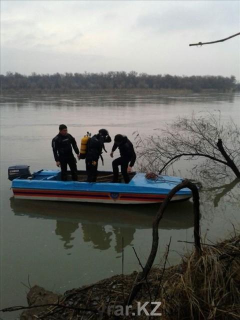 На Сырдарье погиб человек от взрыва бензобака моторной лодки