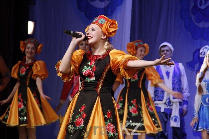 В областном русском драматическом театре продолжаются