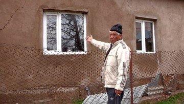 """Жители микрорайона """"Онтустик"""" отказываются покидать опасную зону"""