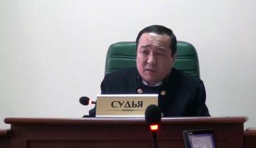В Шымкенте начался суд над обвиняемым в вымогательстве