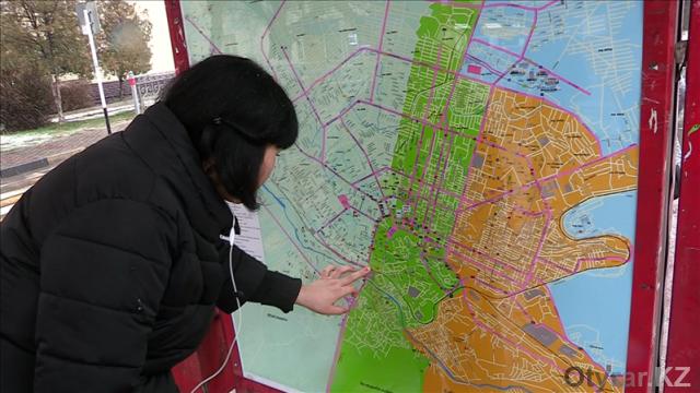 В Шымкенте на остановке появилась информационная карта с маршрутами автобусов