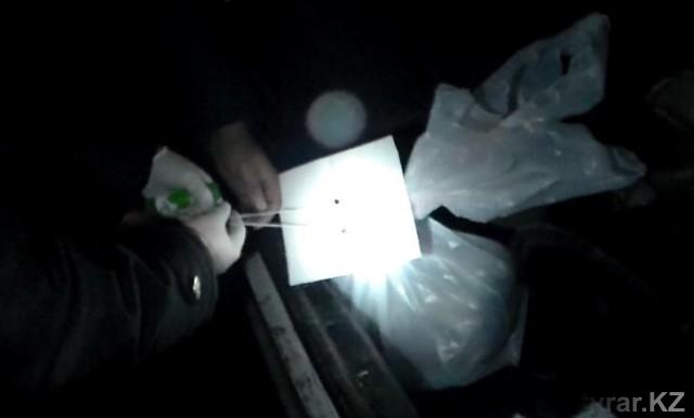 Килограмм наркотиков перевозил в своей машине житель Шымкента