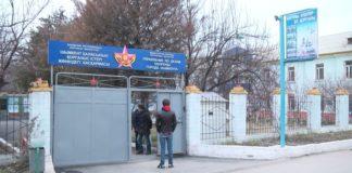 В военкомате Шымкента идет обязательная приписка подростков