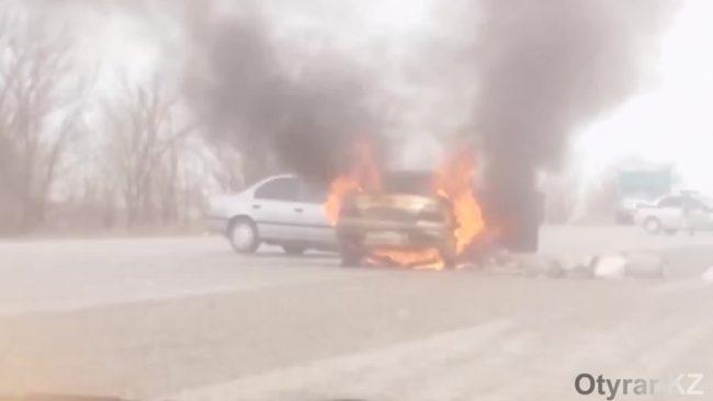 загорелась машина