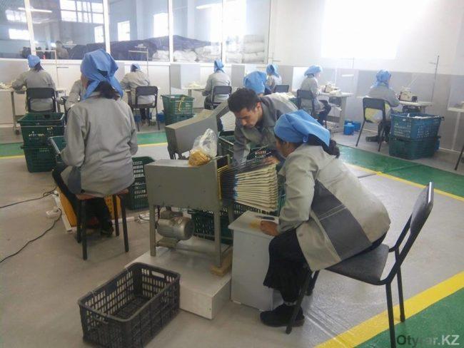 В Шымкенте начали производить хлопчатобумажные перчатки