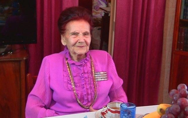 Областной акимат поздравил с праздником Анну Шаля
