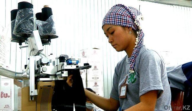Шымкентская чулочно-носочная фабрика снизила цены на продукцию