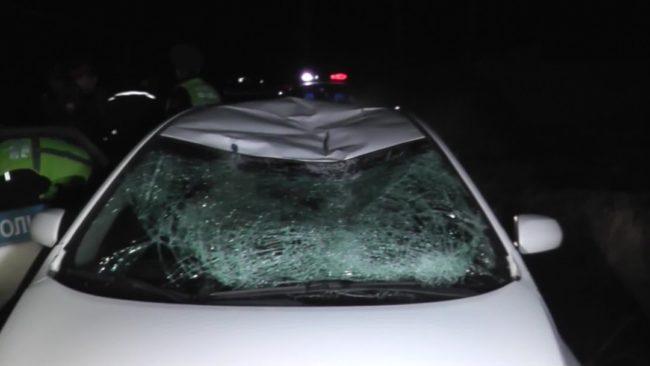 Таксист сбил полицейского