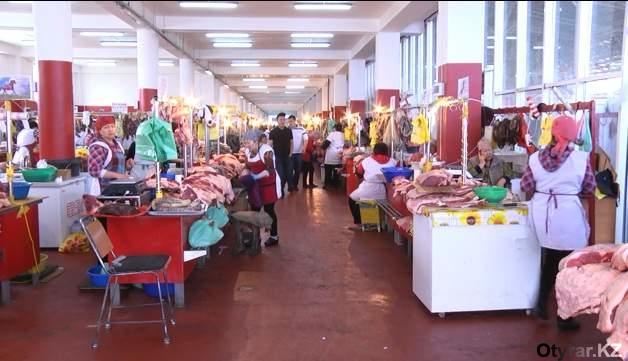 Шымкентские базары готовятся к лету. Мясной павильон
