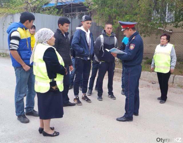 В ЮКО полицейские возобновили работу с общественными помощниками полиции