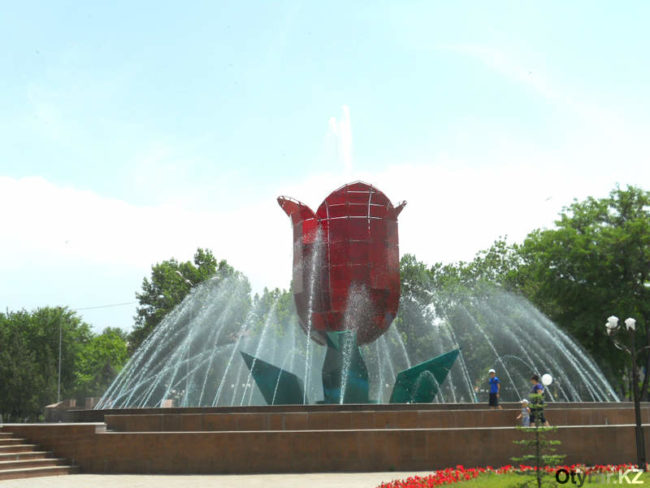 В Шымкенте сезон фонтанов открыт!