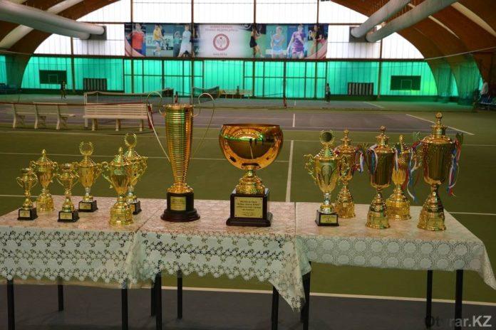 В ЮКО подведены итоги теннисного турнира на кубок акима области