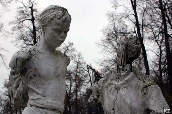 скульптура в пионерском лагере