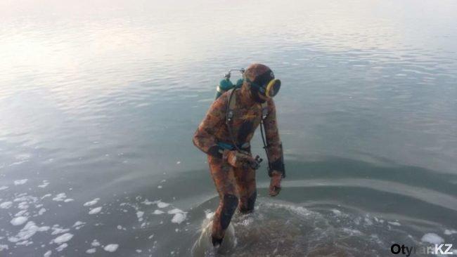 Спасатели работаю на Сырдарье