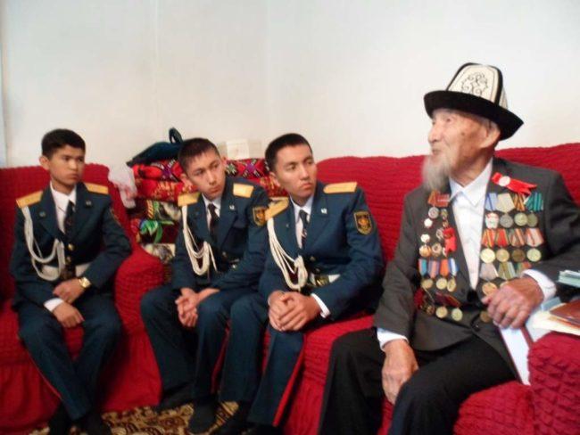 Жасулановцы в гостях у ветерана