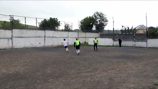 Футбол между прокурорами и осужденными