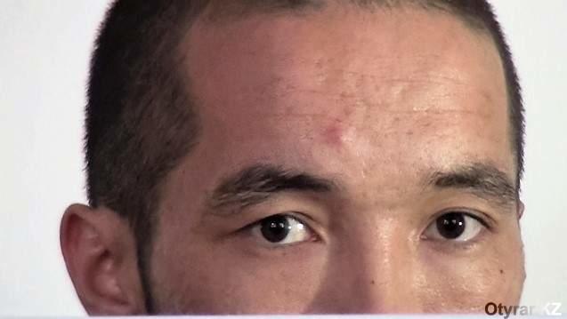 Взгляд человека, обвиняемого в жестоком убийстве 18-летней девушки