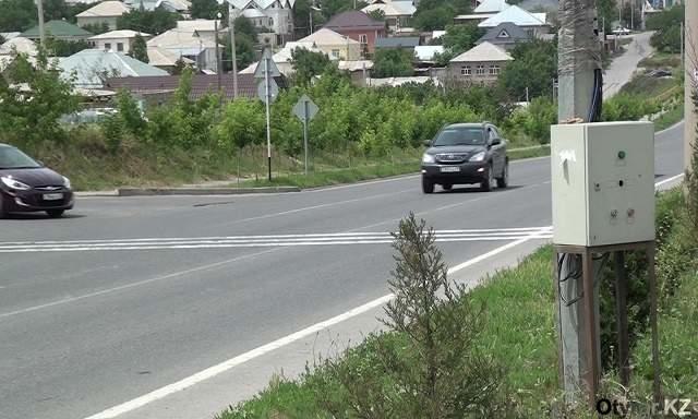 В результате ДТП на пешеходном переходе в Шымкенте погибли двое детей