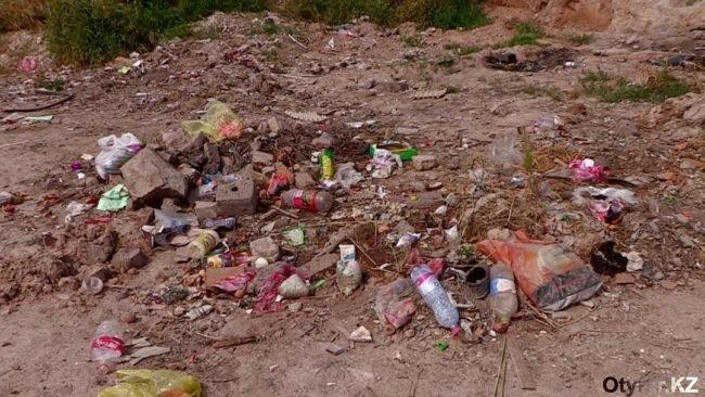 нахаловка обживается мусором