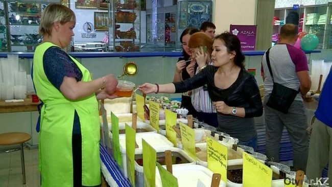 В Шымкент привезли мед из Киргизии и Башкирии
