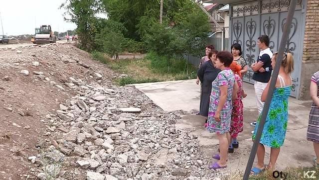 Из-за ошибки в проекте на 300 млн тенге, жители вынуждены осваивать навыки альпинизма