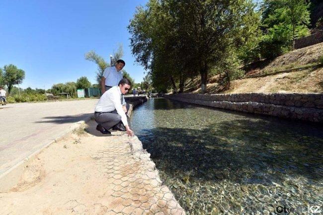 В Шымкенте очищают территорию у истоков Кошкараты