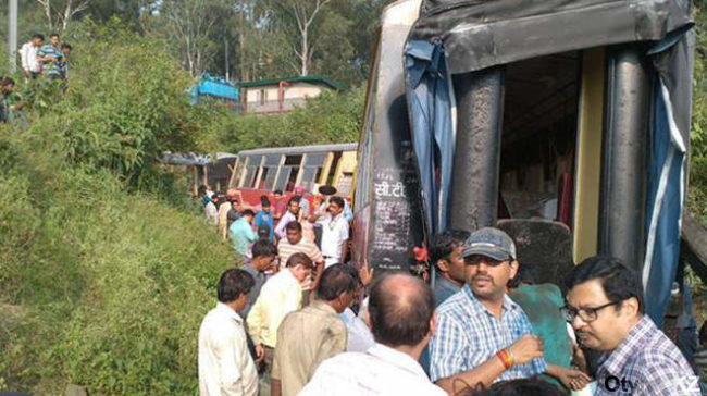 крушение поезда в Индии