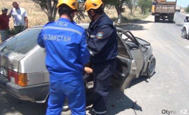 спасатели работают на дтп2