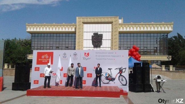 В Шымкенте торжественно стартовал велопроект Shymkent bike