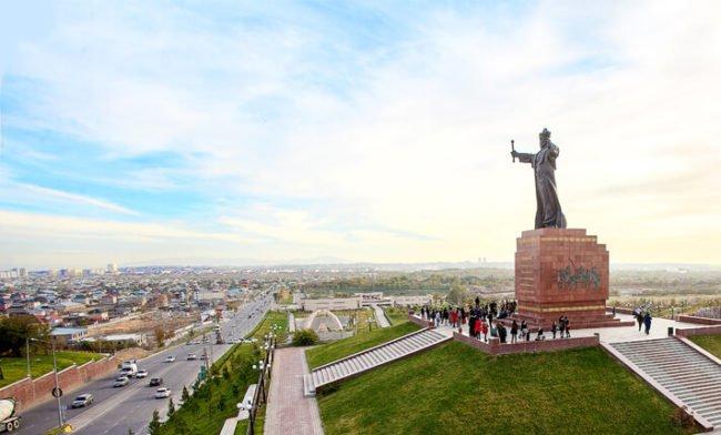Монумент Байдибек би