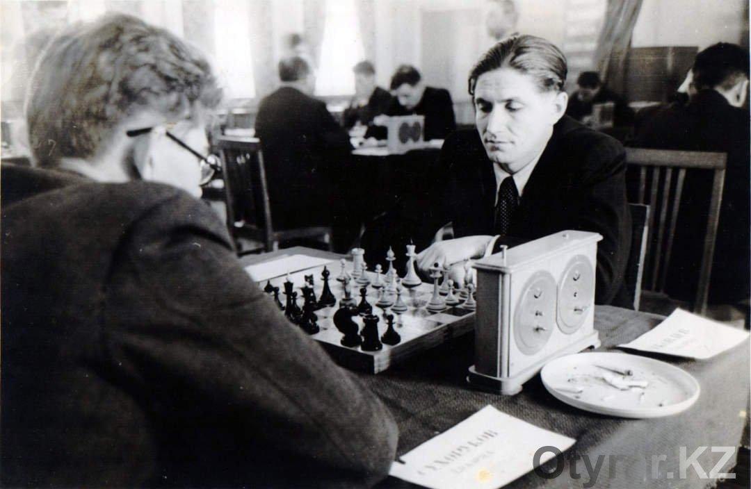 История чимкентского шахматного клуба в фотографиях