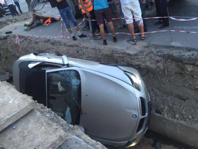 ДТП на Кунаева-Гани Иляева. Кабриолет BMW сбил рабочих