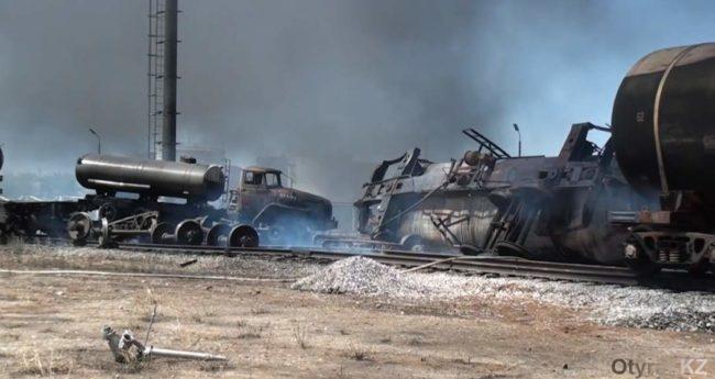 Столкновение грузовых вагонов с цистерами