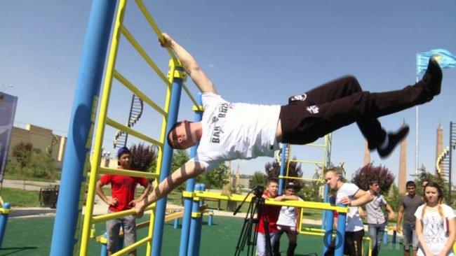 В Шымкенте открылась спортивная площадка «Street workout»