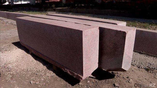 Мраморные тротуары с гранитными бордюрами делают в Шымкенте