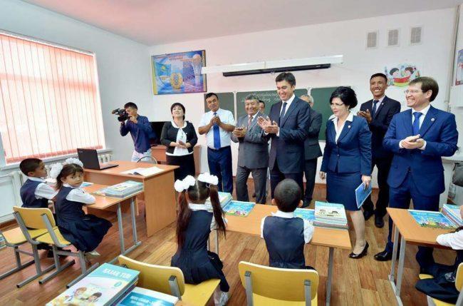 Габидулла Абдрахимов на открытии школы № 111 в День знаний