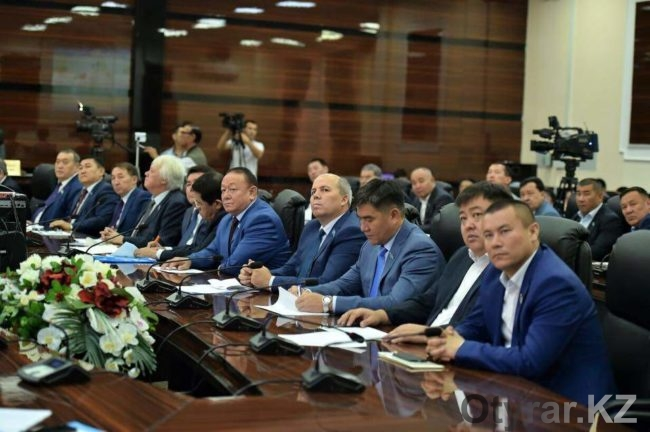 Депутаты областного маслихата