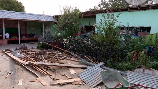 В Шымкенте начали сносить строения над аварийным коллектором в поселке Чапаевка