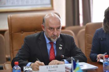 Чрезвычайный и Полномочный Посол Французской Республики в РК Франсис Этьен