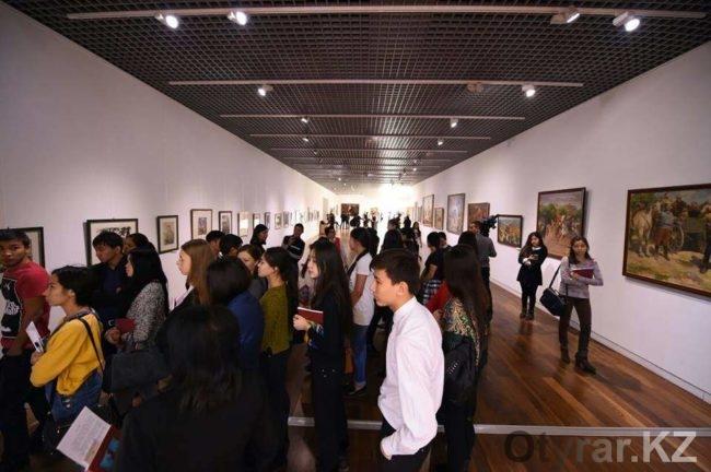 В Астане дни ЮКО стартовали художественной выставкой и сельхозярмаркой