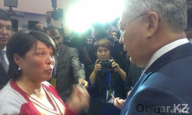 Бейбут Атамкулов на отчете перед населением