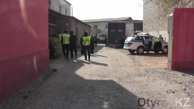 В Шымкенте неизвестные открыли стрельбу на одном из городских рынков