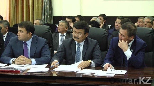 Новый аким ЮКО не доверяет местным чиновникам