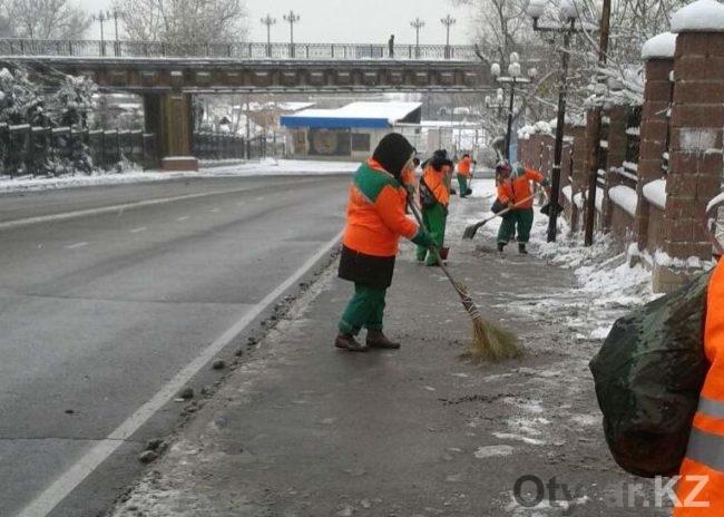 Очистка от снега тротуаров