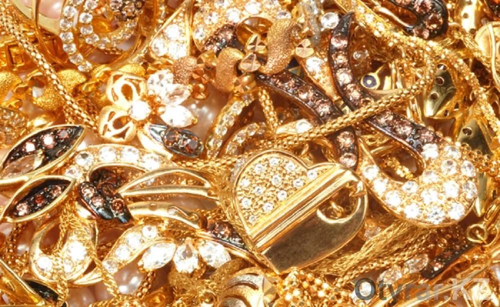 Практически 29кг контрабандных золотых украшений изТурции выявили ваэропорту ЮКО